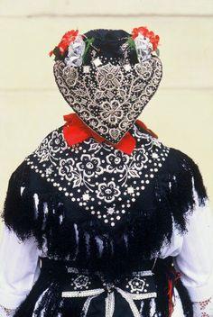 Nosnja iz Bošnjaci - prekrasno selo u Slavoniji. <3   Traditional folk costume Bosnjaci,Croatia
