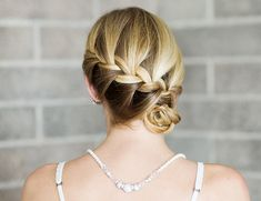 braided side bun tutorial // great summer undo Necklace available at Two's Company