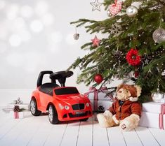 Shop the Bentley Ride-On Car - for kids who like to travel in style. Order from the official Bentley Collection website today. Design Language, Digital Signage, Travel Style, Racing, Gift Ideas, Car, Collection, Cars, Digital Signature