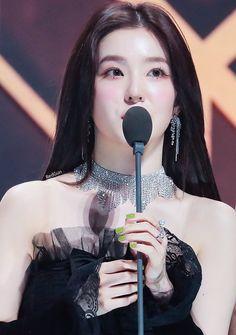 Korean Girl, Asian Girl, Irene Red Velvet, Selca, Disney Bridal Showers, Bridal Shower Favors, Shows, Vintage Bridal, Coral Pink
