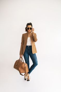 What to Wear on Your Next Flight - Olivia Jeanette Travel Outfit Summer, Summer Outfits, Travel Wear, Work Travel, Travel Clothes Women, Clothes For Women, Business Travel Outfits, Flight Outfit, Cool Outfits