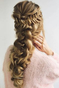 Stunning and intricate braid on @i_pasechnik