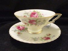 Lefton Hand Painted Bone China,Teacup & Saucer,Pink,Green,White,Gold,Scalloped