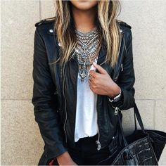 Cool Leather Jacket Outfits For This Winter 18 Look Fashion, Street Fashion, Autumn Fashion, Womens Fashion, Fashion Trends, Fashion Clothes, Fashion Edgy, Fashion 2018, Fashion Jewelry