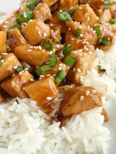 One pan chicken teriyaki takes 20 minutes and only one pan. Easy homemade teriyaki sauce simmers with chunked tender chicken. Chicken Teriyaki Rezept, Homemade Teriyaki Sauce, Quick Weeknight Dinners, Fast Dinners, One Pan Chicken, How To Cook Chicken, Toffee, Light And Easy Meals, Delicious Dinner Recipes