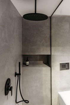 Casa A Nord-Est Picture gal Bathroom Decor Ideas bathroomdesigngallerypictures casa gal NordEst Picture Bad Inspiration, Bathroom Inspiration, Bathroom Ideas, Bathroom Trends, Interior Inspiration, Toilette Design, Concrete Bathroom, Concrete Shower, Cheap Bathrooms