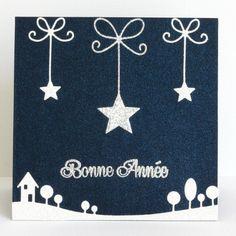 """Carte Bonne Année """"étoiles suspendues"""", coloris bleu métallisé, argent et blanc pailleté : Cartes par latelierdesconfettis"""