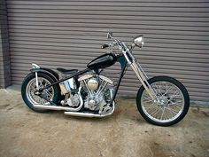 #2 favorite bike of all times, the clean lines and the simplicity make a statement. Old Harley shovel in a custom rigid frame, just a beautiful piece of work.