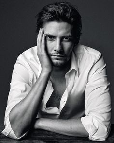 Known for his role as Prince Caspian in The Chronicles of Narnia, British actor Ben Barnes graces the pages of Icon magazine to promote the upcoming television mini series Sons of Liberty. The story of an American beginning, Barnes plays Sam Adams for The History Channel production. Donning essential menswear pieces, Barnes is photographed by Michael Schwartz and styled by Angela Esteban Librero.  Related
