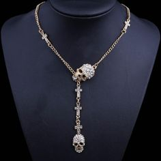 Gorgeous necklace with 2 crystal skulls with crosses in 3 colors to fit your style. This simple yet super stylish necklace is a nice accessory for ladies to sho