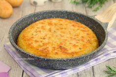 torta di patate in padella intera