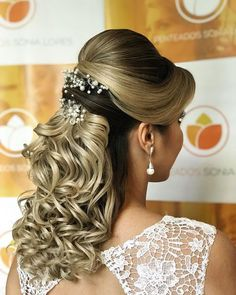 40 beautiful hairstyles for quinceanera for stylish girls to wear 16 Evening Hairstyles, Creative Hairstyles, Fancy Hairstyles, Bride Hairstyles, Hairstyles Haircuts, Beautiful Hairstyles, Long Hair Wedding Styles, Short Hair Styles, Mother Of The Bride Hair