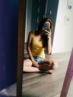 #girl #body #selfie #photo #yellow #jeans #retro #redhead Yellow Jeans, Girl Body, Redheads, Selfie, Retro, Red Heads, Mid Century