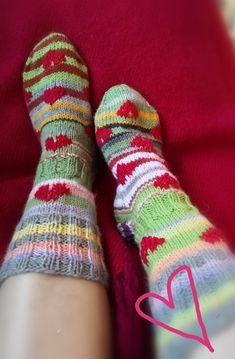 💞 Sukat jämälangoista Socks, Fashion, Moda, Fashion Styles, Sock, Fasion, Stockings, Ankle Socks, Hosiery