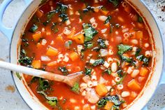 A hearty vegetarian minestrone soup with butternut squash, fennel and kale. This recipe can be prepared in 30 minutes!