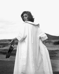 Suzy Parker in Morocco, photo by Georges Dambier, ELLE, 1953