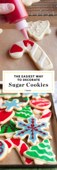 How to Decorate Sugar Cookies with Flood Icing: The Easiest, Simplest Method (with a Video! Christmas Cookie Icing, Iced Cookies, Christmas Sweets, Christmas Cooking, Holiday Cookies, Frosted Christmas Cookies, Halloween Christmas, Super Cookies, Holiday Desserts