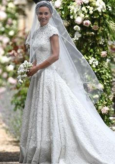 The first pictures of Pippa Middleton's wedding dress are IN...