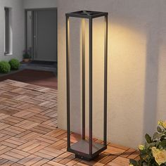 Graphite grey LED path light Lealand by Lampenweltcom perfectly fits modern environements.