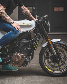 In a best world you could buy any bike you wanted at a price you might pay for, however in the real life mountain biking costs differ extremely. We provide some ideas on what to look for. Futuristic Motorcycle, Motorcycle Clubs, Motorcycle Style, Cafe Racer Moto, Cafe Racer Bikes, Cafe Racers, Ride Out, Husqvarna, Cool Bike Accessories