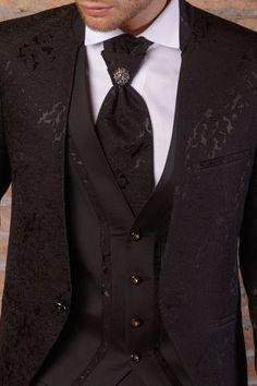 m92-luxusny-pansky-oblek-svadobny-salon-valery