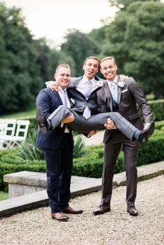 #bruidegom #bruidsjonkers bruiloft #trouwen #trouwdag #huwelijk #inspiratie #idee #real #wedding #inspiration #groom #groomsmen Trouwen in de Steeg nabij Arnhem | Photography: ROX and SAN | ThePerfectWedding.nl