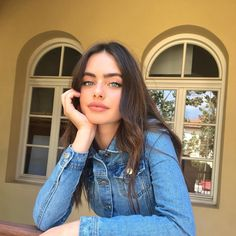 Find images and videos about girl, love and fashion on We Heart It - the app to get lost in what you love. Pretty People, Beautiful People, Most Beautiful Faces, Brunette Girl, Brunette Beauty, Tumblr Girls, Aesthetic Girl, Belle Photo, Pretty Face