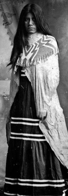 Mojave woman - circa 1900