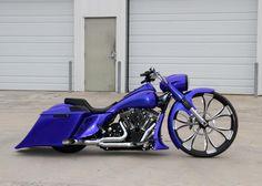 Blue30RoadKing1 Custom Bagger