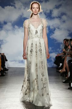 Spring 2015 Trends Jenny Packham See all of the new gowns straight off the Bridal Fashion Week runways.