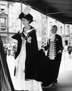 crownedlegend - Queen Elizabeth in the robes of the Order of the...