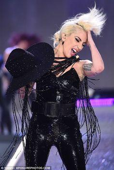 Lady Gaga - Victoria's Secret Fashion Show - November 2016 Vs Fashion Shows, Lady Gaga Joanne, Pop, Lady Gaga Pictures, She's A Lady, Victoria Secret Fashion Show, Toxic Vision, Victoria's Secret, Vs Angels