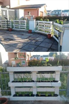 Pallet Designs pallets garden fence planters - We assure you that you cannot find the more cheapest source of wood than the pallet wood. Its cheap, durable and abundantly available from … Wood Pallet Recycling, Pallet Crafts, Diy Pallet Projects, Outdoor Projects, Pallet Ideas, Fence Ideas, Recycling Ideas, Potager Palettes, Eco Deco