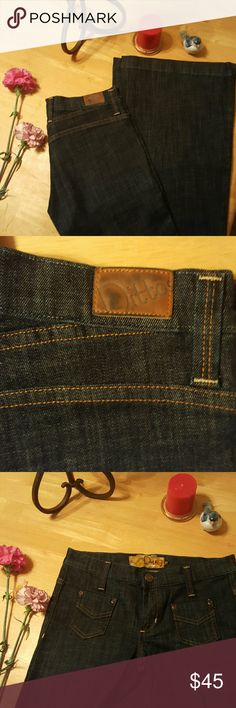 Dittos blue jeans flare Super cute Dittos flare jeans very sexy and in great condition Ditto Jeans