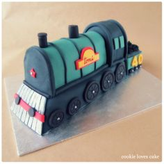Tarta locomotora de vapor (Steam train cake)