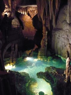 Luray Caverns - so cool, went here when I was a child.