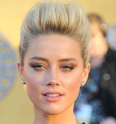 Amber Heard You are in the right place about bronze eyeshadow blonde Here Amber Heard, Jessica Chastain, Bronze Eyeshadow, Eyeshadow Makeup, How To Make Hair, Make Up, Makeup Looks, Face Makeup, Ugly Faces