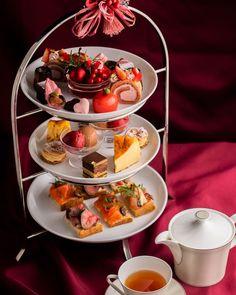 Stellato アフタヌーンティ 大好評頂いておりますアフタヌーンティーセットが2月よりバレンタイン特別仕様となります❣️ㅤㅤㅤㅤㅤㅤㅤㅤㅤㅤㅤㅤㅤ ㅤㅤㅤㅤㅤㅤㅤㅤㅤㅤㅤㅤㅤ Afternoon Tea Set 1800yen(+tax)ㅤㅤㅤㅤㅤㅤㅤㅤㅤㅤㅤㅤㅤ ㅤㅤㅤㅤㅤㅤㅤㅤㅤㅤㅤㅤㅤ 苺のロールケーキ、ルビーチョコのマンディアン、フリュイルージュのソルベなど、この期間限定のお菓子で華やかに彩られています💕ㅤㅤㅤㅤㅤㅤㅤㅤㅤㅤㅤㅤㅤ ㅤㅤㅤㅤㅤㅤㅤㅤㅤㅤㅤㅤㅤ すでにお越しになられた方も、まだこれからという方も、是非この機会にお召し上がりになってはいかがでしょうか?😊ㅤㅤㅤㅤㅤㅤㅤㅤㅤㅤㅤㅤㅤ ㅤㅤㅤㅤㅤㅤㅤㅤㅤㅤㅤㅤㅤ ご予約は下記予約サイト、ホームページまたはお電話にて承っております。 Chocolate Fondue, Panna Cotta, Ethnic Recipes, Desserts, Food, Tailgate Desserts, Dulce De Leche, Deserts, Essen