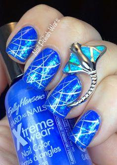 I think I love the manta ray ring more than the nails :p