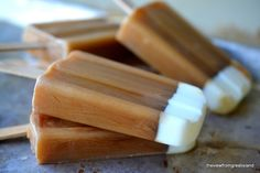 Iced Coffee Popsicles ~ this is the way to get your morning (or evening!) cup of coffee when it's hot out, these refreshingly caffeinated popsicles are like a long tall drink of iced coffee, on a stick! Frozen Desserts, Frozen Treats, Just Desserts, Delicious Desserts, Dessert Recipes, Yummy Food, Coffee Popsicles, 3 Ingredient Desserts, Coffee Cream