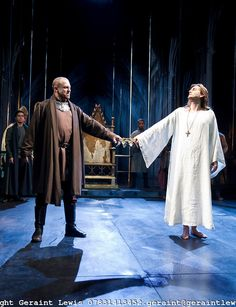Richard II by William Shakespeare, A Royal Shakespeare Company Production directed by Gregory Doran. With Nigel Lindsay as Bolingbroke, Davi...
