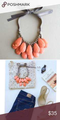 coral necklace! Beautiful coral statement necklace, handmade 😍😍 Gorgeous boutique item!!! 🏷New With Tag Boutique Item ✈️Same day shipping 💰Bundle and save!  🏠Pet & Smoke free Home! ❤️️Please check my closet for cute accessories 📷Instagram: @haveit.wearit.loveit hwl boutique Jewelry Necklaces