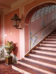 faded colors galore. Pale vegetalia Interior Exterior, Interior Architecture, National Pink Day, Halls, Entry Way Design, Interior Decorating, Interior Design, Beautiful Interiors, Stairways