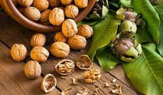 Walnuts contain protein and essential fatty acids that help your overall health. Listed in the article are some amazing health benefits of walnuts. Health Benefits Of Walnuts, Diabetic Desserts, Diabetic Recipes, Healthy Recipes, Healthy Food Alternatives, Healthy Options, Healthy Fats, Healthy Life, Eating Clean
