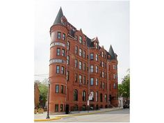 Baltimore is known for the Inner Harbor, Camden Yards, and crab cakes. But the Hotel Brexton, an architectural landmark and member of Histor...