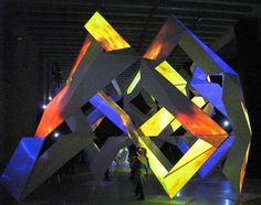 """Percorso sensoriale alla Triennale di Milano """"Milan Design Week"""" 2010, Neoreal Canon. nato dalla collaborazione del designer Kyota Takahashi e dell'architetto Akihisa Hirata."""