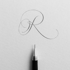 Playing catch up with letter R. I thought this letter would be easier to draw, but it was harder than I expected! #ep_letters #pencilcalligraphy #pencillettering #abcs_r