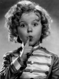 Elizabeth Blair, A pequena órfã (1935)