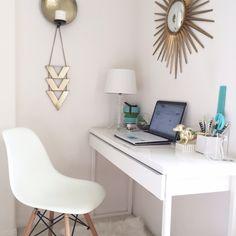 Ikea Besta Burs Scrivania.Besta Burs Desk High Gloss White In 2019 Decorating Your