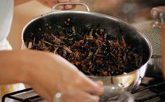 Arroz negro crocante com legumes Bela Cozinha Vero bardana (Foto: Divulgao/GNT)